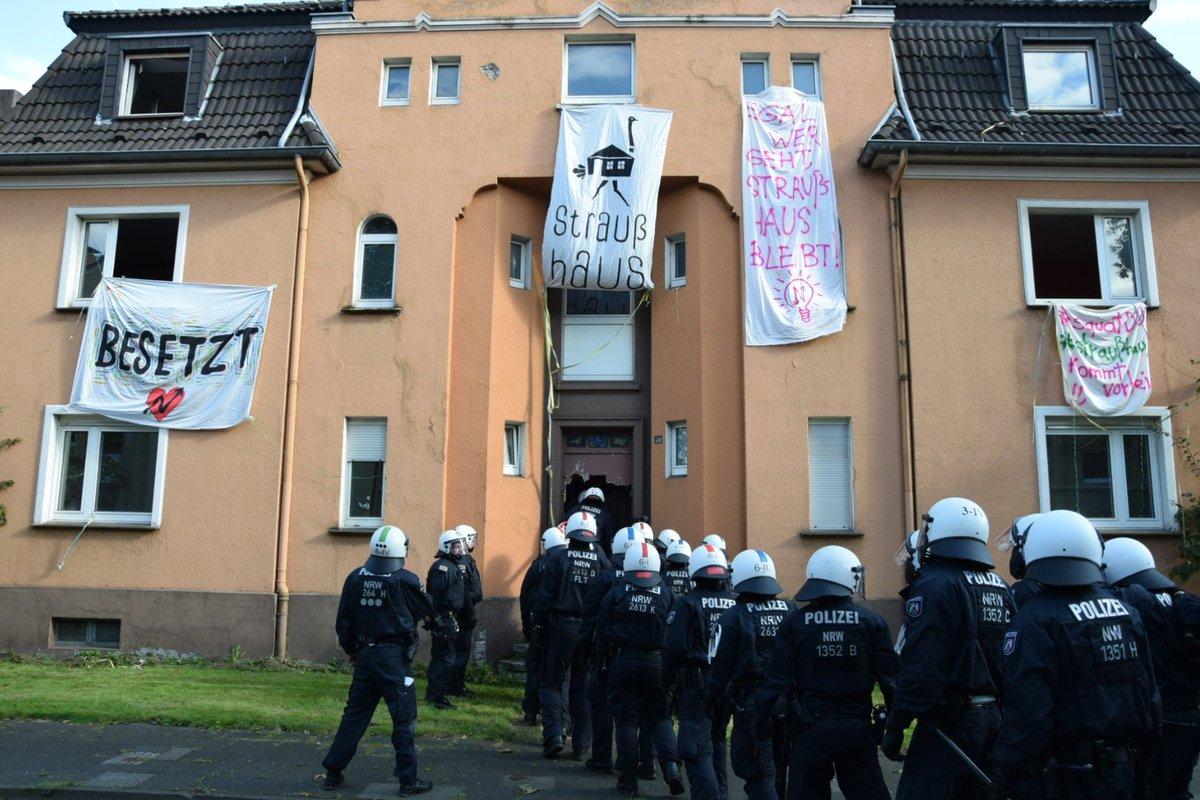 Räumung des besetzten Strauß-Haus in Duisburg Neudorf